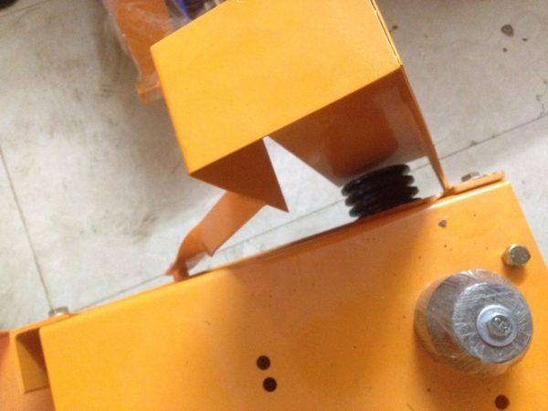 Máy cắt đường nhựa bê tông KC16 lắp đầu nổ Honda GX390