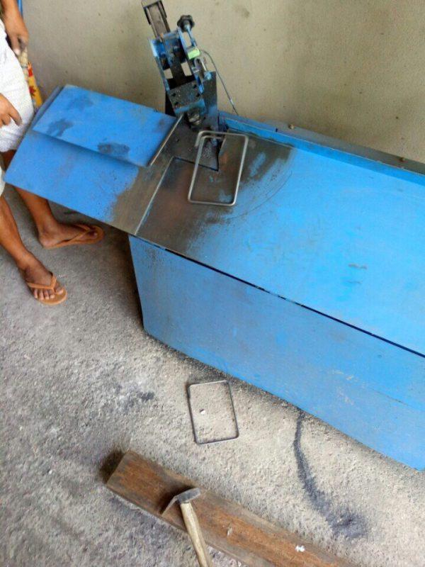 Máy bẻ đai sắt tự động dạng nằm